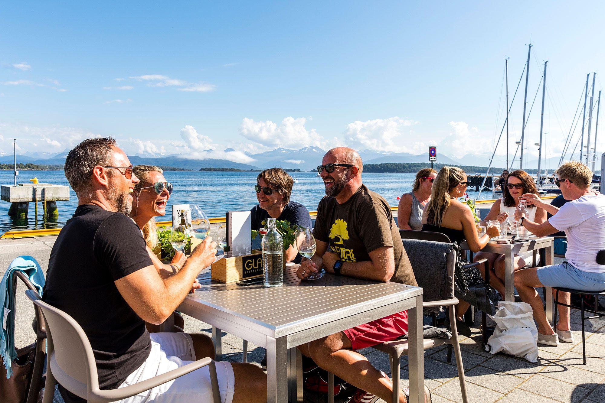 Fotografering på Glass i Molde for Visit Nordvest